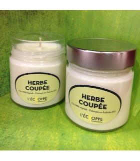 Bougie parfumée à l'herbe coupée (cire végétale)